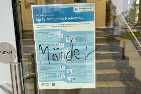 """Über Masken-Hinweis der Kreisverwaltung """"Mörder"""" geschrieben"""
