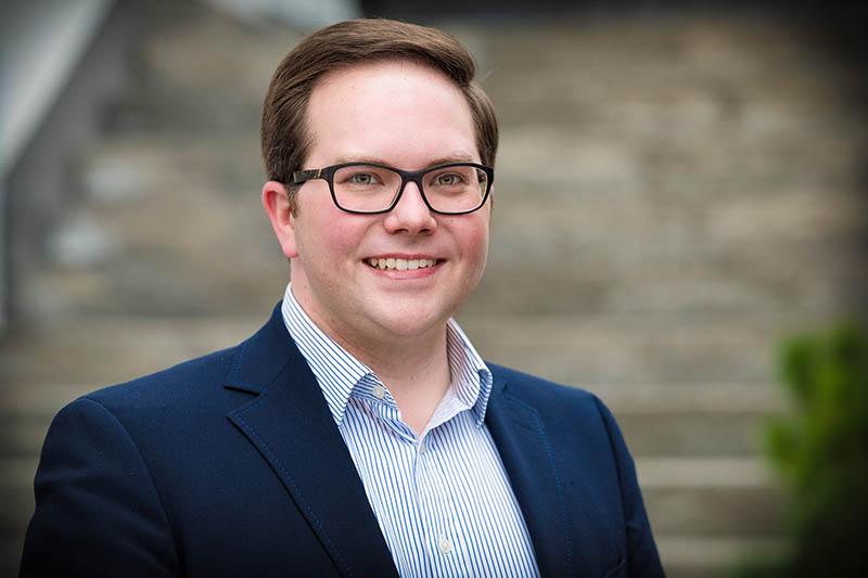 Pascal Badziong fordert Lefkowitz (SPD) heraus