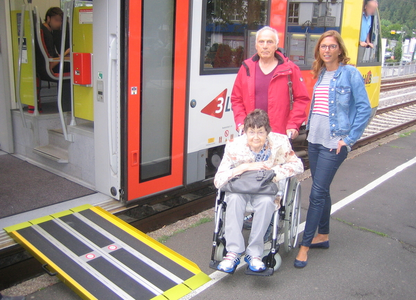 """Als Rollstuhlfahrer am Betzdorfer Bahnhof: """"Einstiegshöhe passt bei keinem Zug"""""""