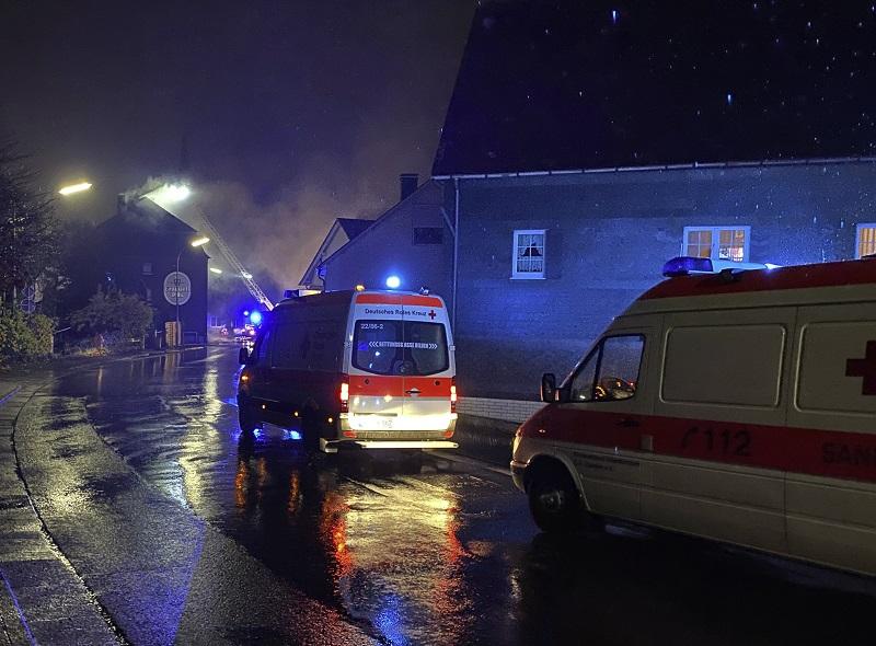 Eine verletzte Person bei Zimmerbrand in Herdorf