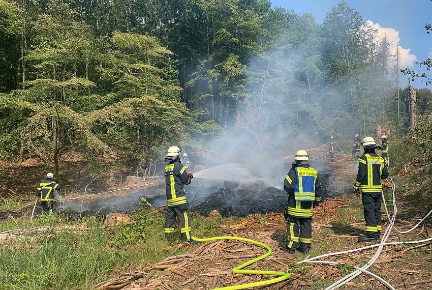 Feuerwehr verhindert größeren Waldbrand in Herdorf