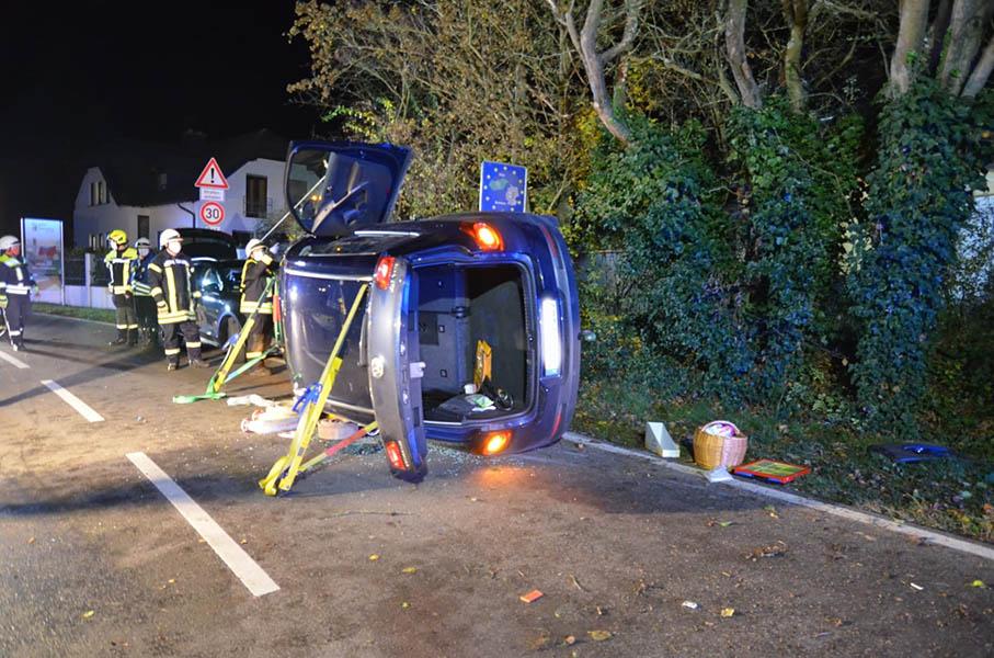 Verkehrsunfall mit zwei schwer verletzten Personen
