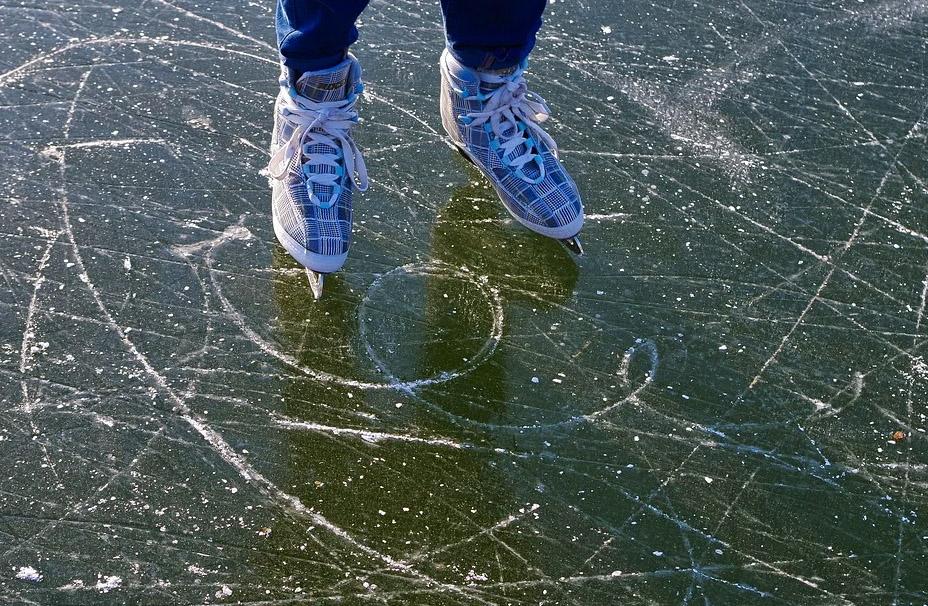 Warnungen Eisflächen nicht zu betreten - vielfach ignoriert