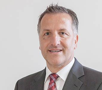 Oliver Schömann ist seit Anfang Juli neuer Pflegedirektor des Marienhaus Klinikums Bendorf – Neuwied – Waldbreitbach. Foto: Marienhaus Unternehmensgruppe
