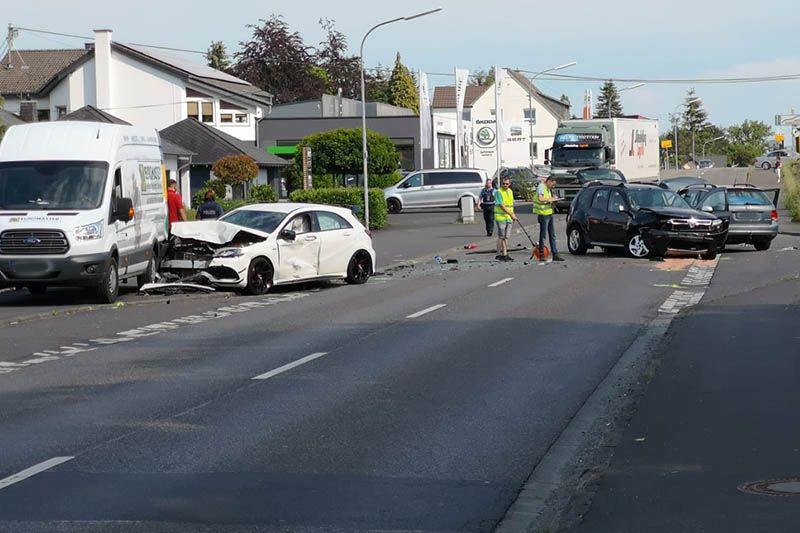 Unfall in Ebernhahn. Foto: Uwe Schumann