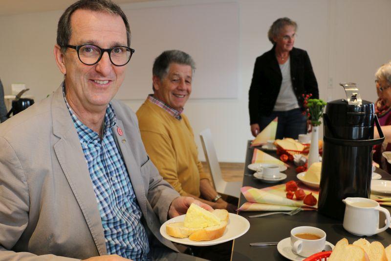 Anlässlich des Welthospiztags hatte das Hospiz St. Thomas zum Westerwälder Eierkäs-Frühstück eingeladen. Fotos: Hospiz St Thomas