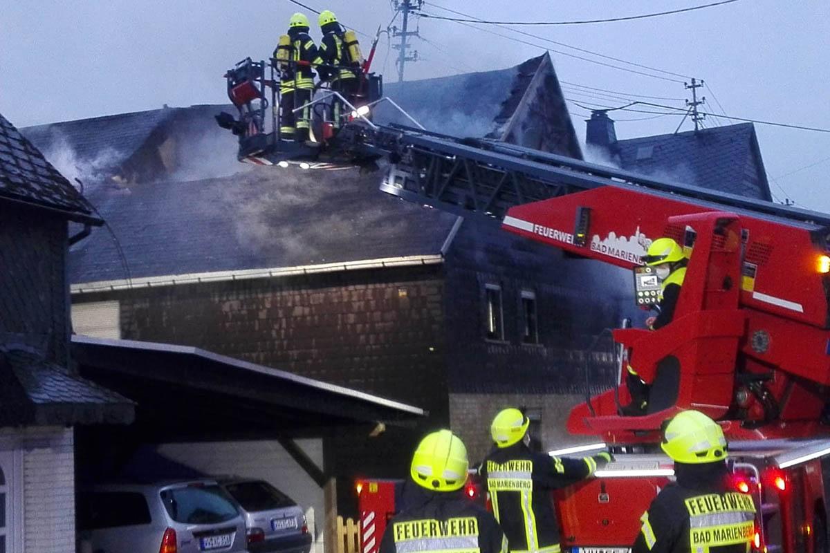 Stein-Neukirch: Wohnhausbrand - 72-jährige Bewohnerin verstorben