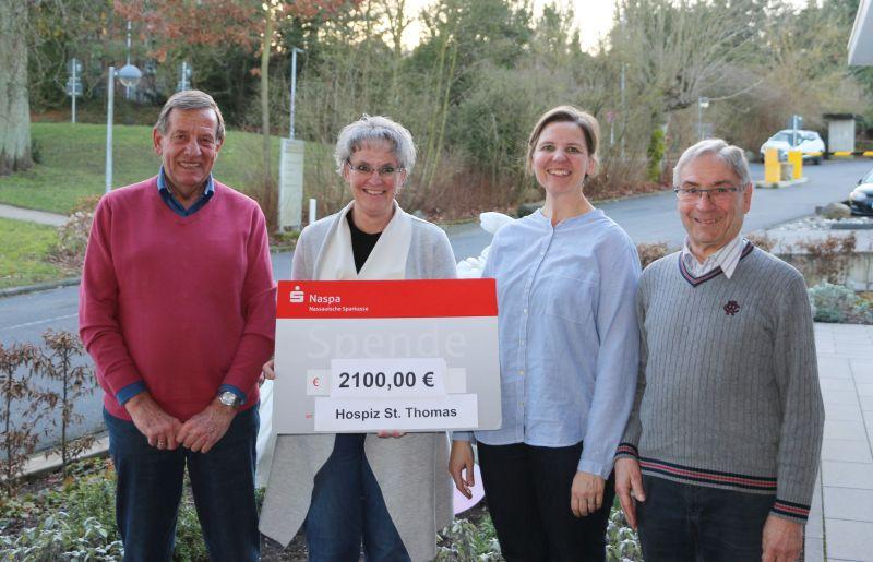 Spendenübergabe des Kirchenchors an das Dernbacher Hospiz. Foto: privat