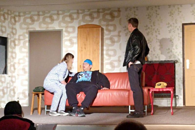 "Premiere ""Taxi Taxi"" bei Theaterfreunden Niedererbach"