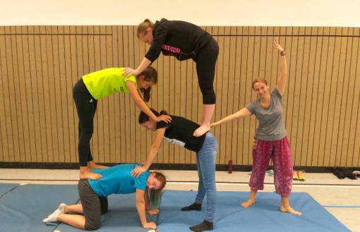 """Bewegte Jugendleiterschulung rund um das Thema """"Zirkus"""""""