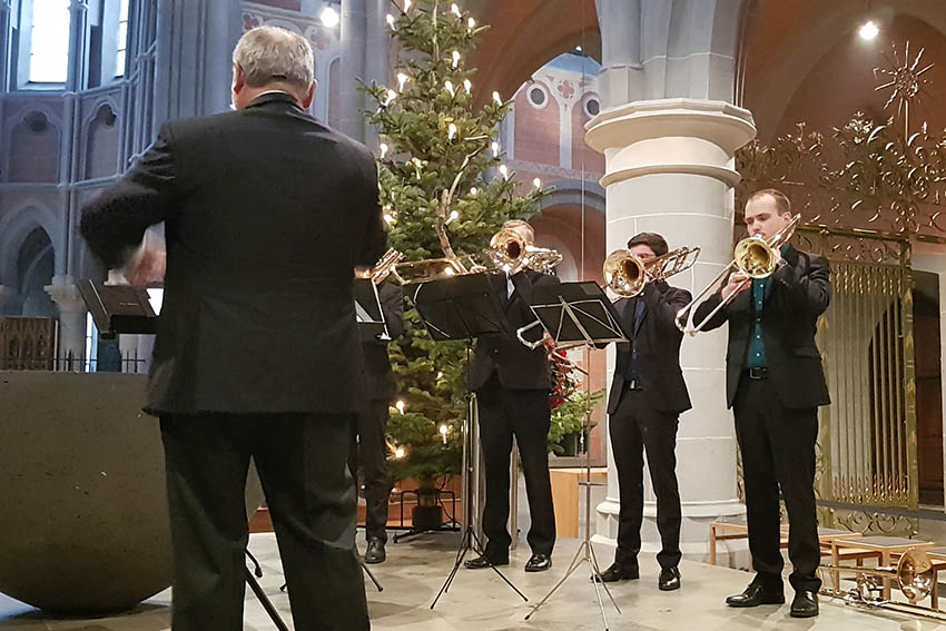 Prof. Werner Schrietter und die Posaunenklasse der Musikhochschule Karlsruhe. Fotos: Simone Ziegler