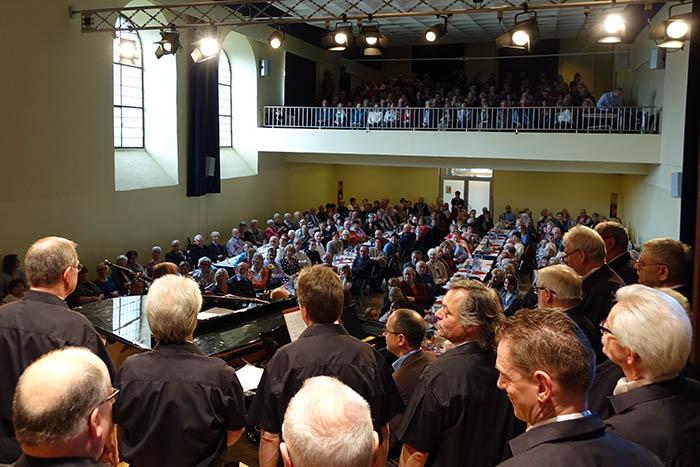 Evergreens un Kölsche Tön: Konzert des Linzer Männergesangvereins