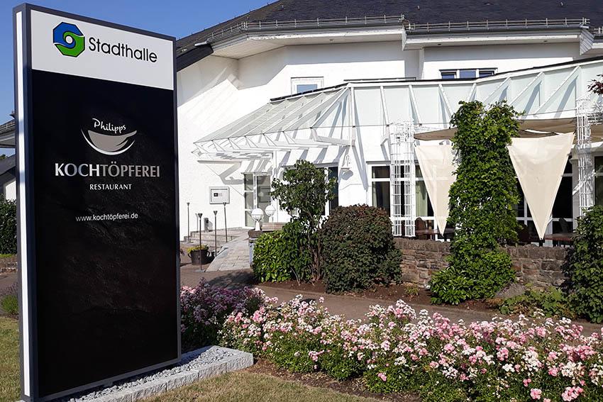 """Restaurant """"Kochtöpferei"""" in der Stadthalle Ransbach-Baumbach eröffnet"""
