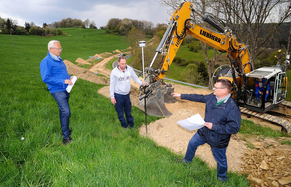 Erneuerung der Wasserleitung zwischen Roßbach und Hähnen