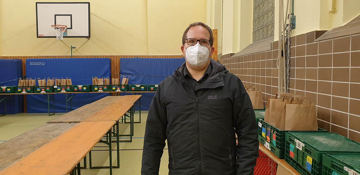 Holger Wolf besucht Tafel Linz