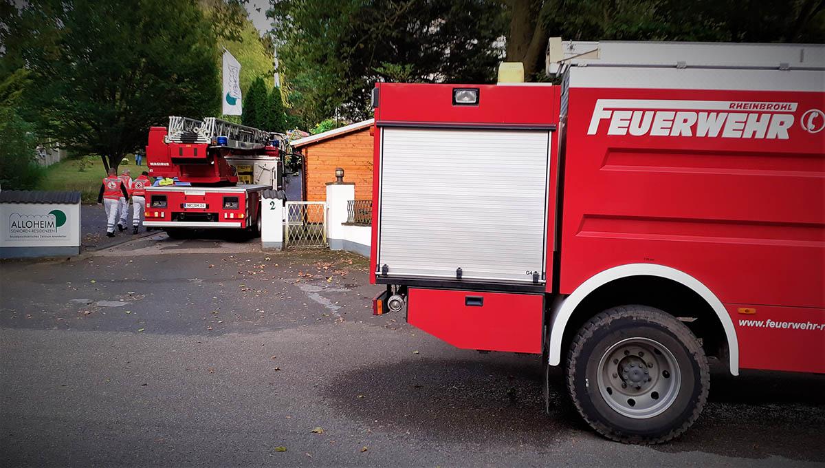 Brand in Wohnheim durch Mitarbeiter gelöscht - drei Personen verletzt