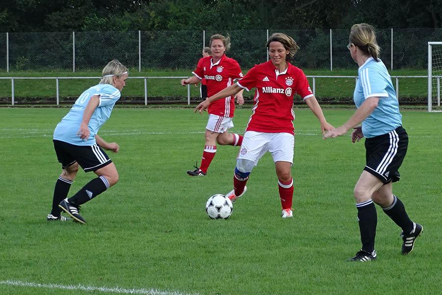 DFB-Ü35-Frauen-Cup in Altenkirchen