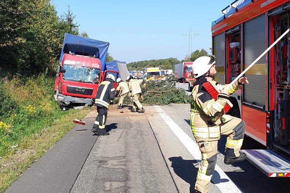 Medizinischer Notfall führt zu Unfall auf der Autobahn A3
