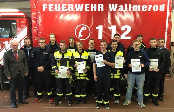 Neue Feuerwehrmänner für die örtlichen Einheiten