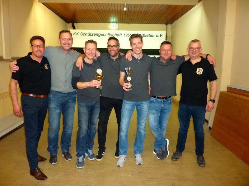 Gipfelstürmer eroberten Wanderpokal bei der Oberbieberer Dorfmeisterschaft