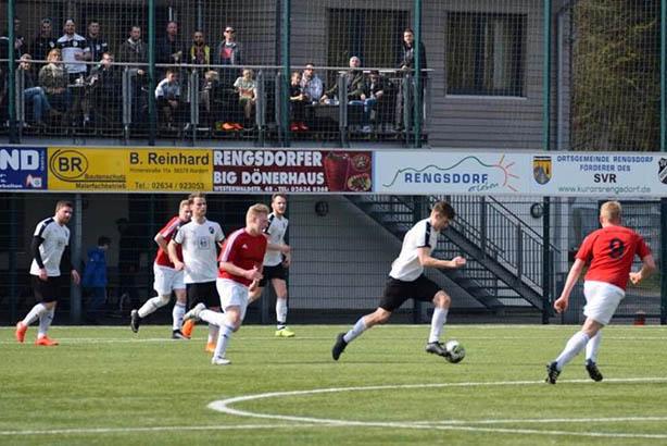 SV Rengsdorf feiert fast perfekten Fußballsonntag