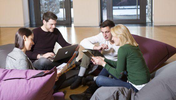 ADG Business School lädt zum Infoabend auf Schloss Montabaur