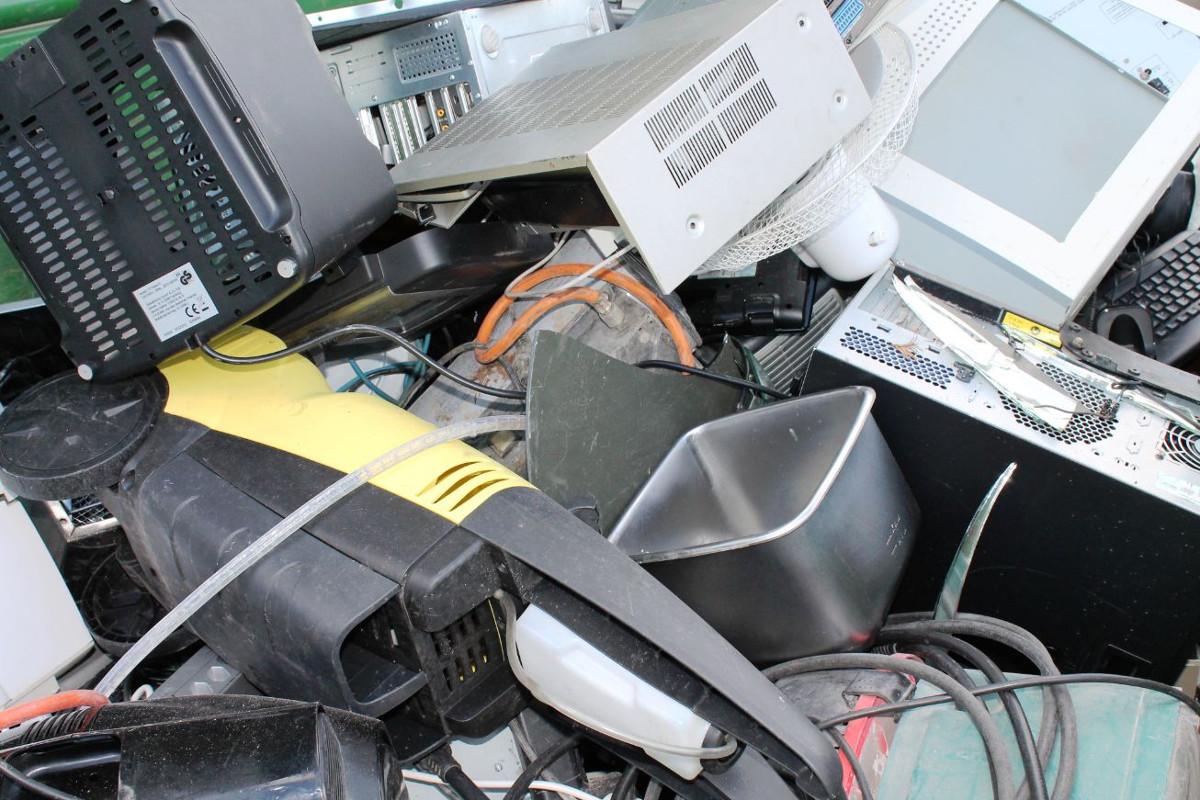 Der Abfallwirtschaftsbetrieb informiert: Elektroschrott richtig entsorgen