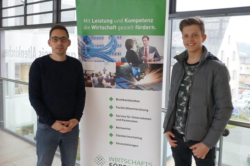 Tim Kraft, Leiter Wirtschaftsförderung Kreis AK (links) und Praktikant Julius Viesel besprachen zusammen die geplante Fachkräfteinitiative. Foto: Privat