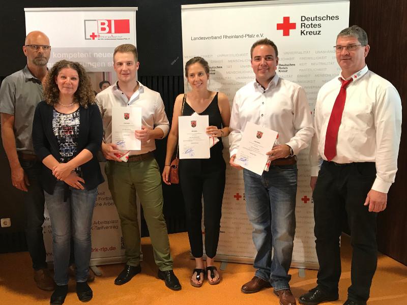 Drei neue Notfallsanit�ter f�r den Rettungsdienst