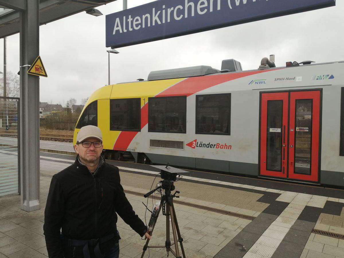 Vorm privaten Rechner: Online-Stadtführung live durch Altenkirchen