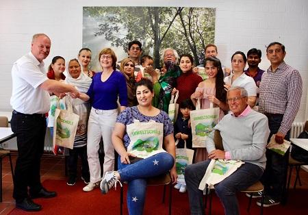 Abfallwirtschaftsbetrieb unterstützt die Flüchtlingshilfe Flammersfeld e.V.