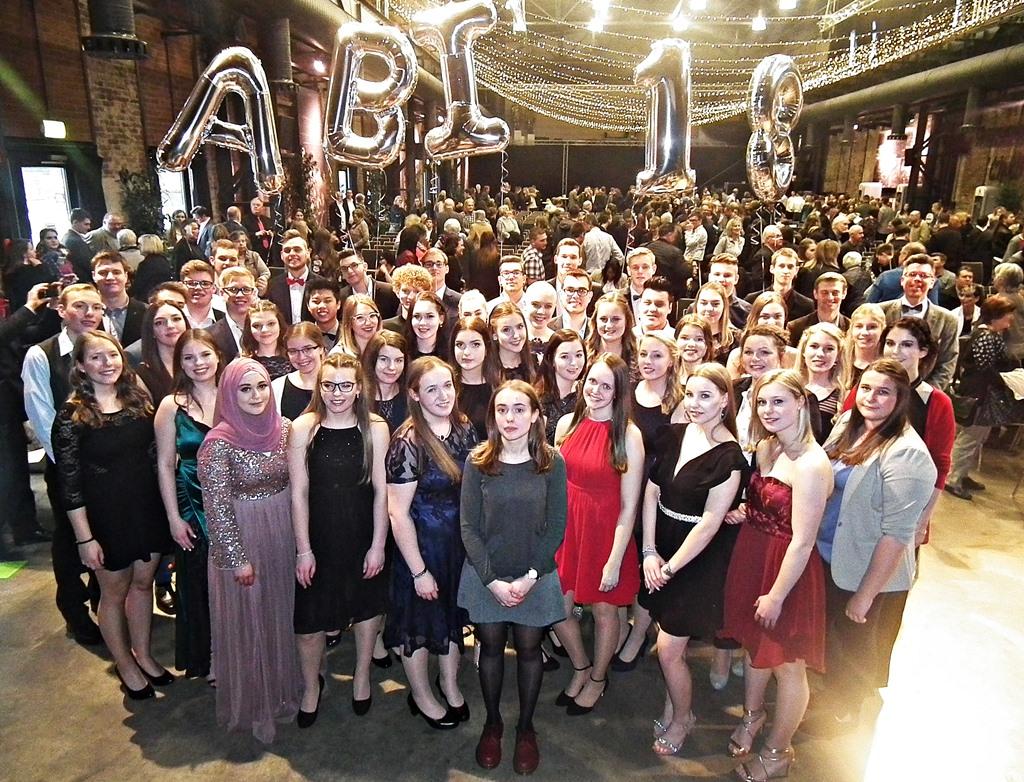 48 Abiturienten erhielten ihre Zeugnisse