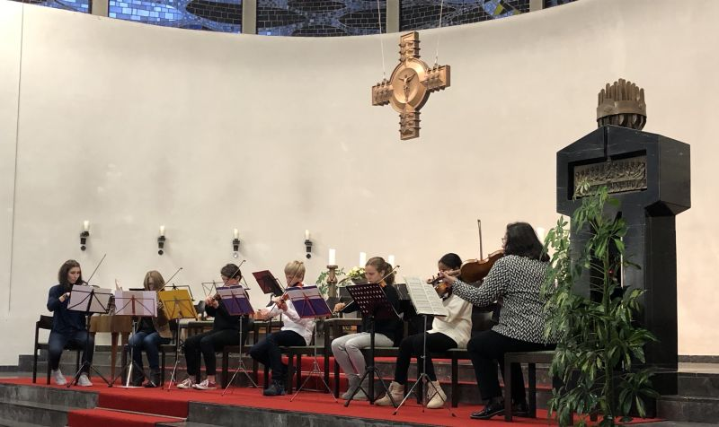 Mit einem abwechslungsreichen und anspruchsvollen Programm gestaltet die Kreismusikschule Westerwald ihr Adventskonzert in der Christkönigskirche in Westerburg. Foto: Pressestelle der Kreisverwaltung