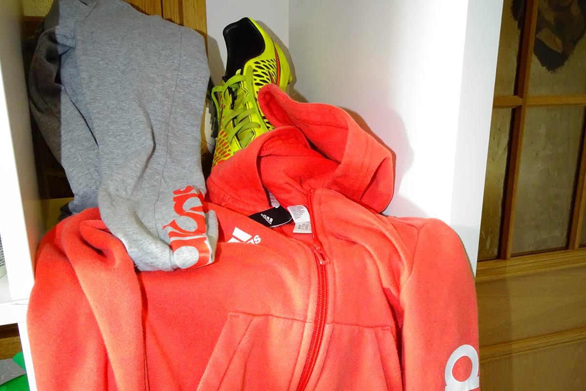 Gesucht wird gut erhaltene Sportkleidung für Kinder und Jugendliche