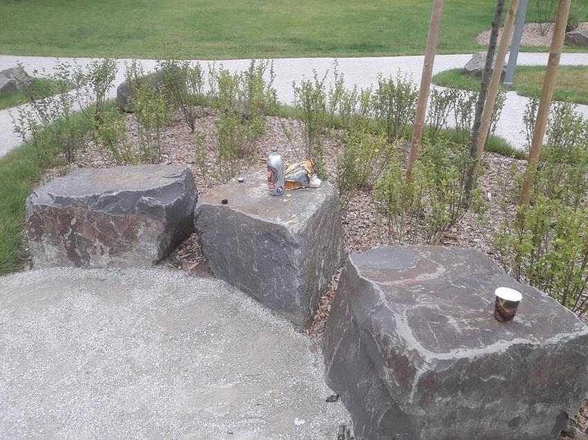 Unter anderem wurde Müll hinterlassen. (Fotos: Stadt Wissen)