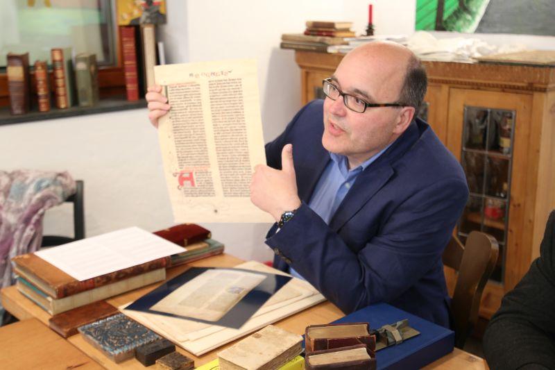 Buchgeschichtliche Zeitreise mit antiquarischen Kostbarkeiten