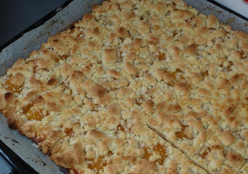 Westerwälder Rezepte zu Ostern: Leckerer Apfel-Streuselkuchen