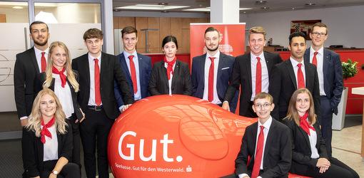 Elf junge Menschen erfolgreich in das Berufsleben gestartet