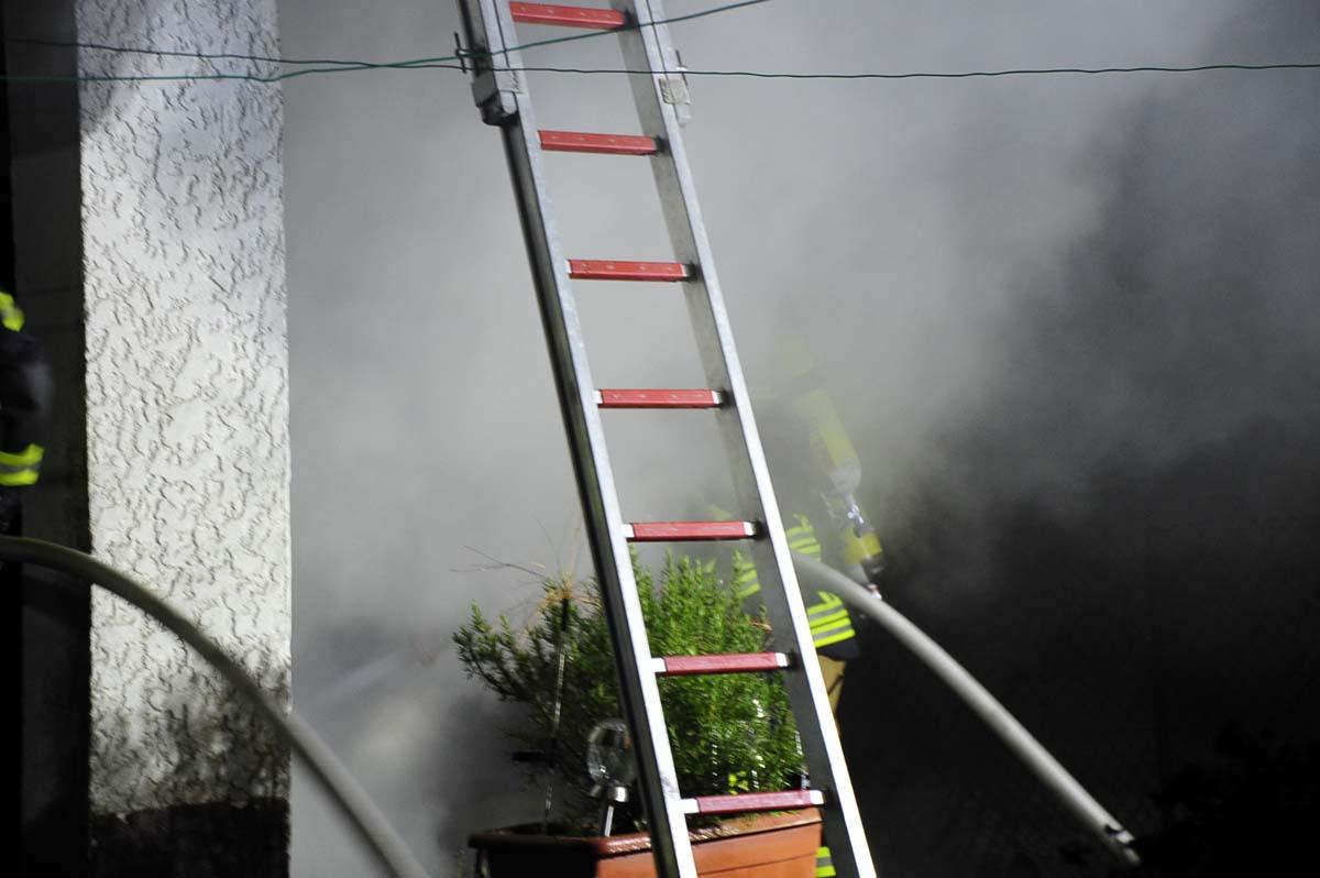 Brand in Hasselbach forderte am frühen Morgen zwei Löschzüge