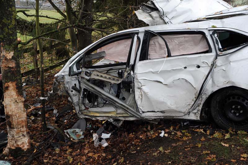 32-Jähriger stirbt bei Unfall auf der B 8 in Hasselbach