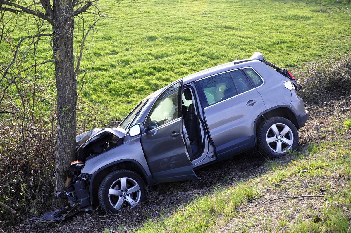 Drei Verletzte bei Verkehrsunfall zwischen Meisenbach und Buchholz