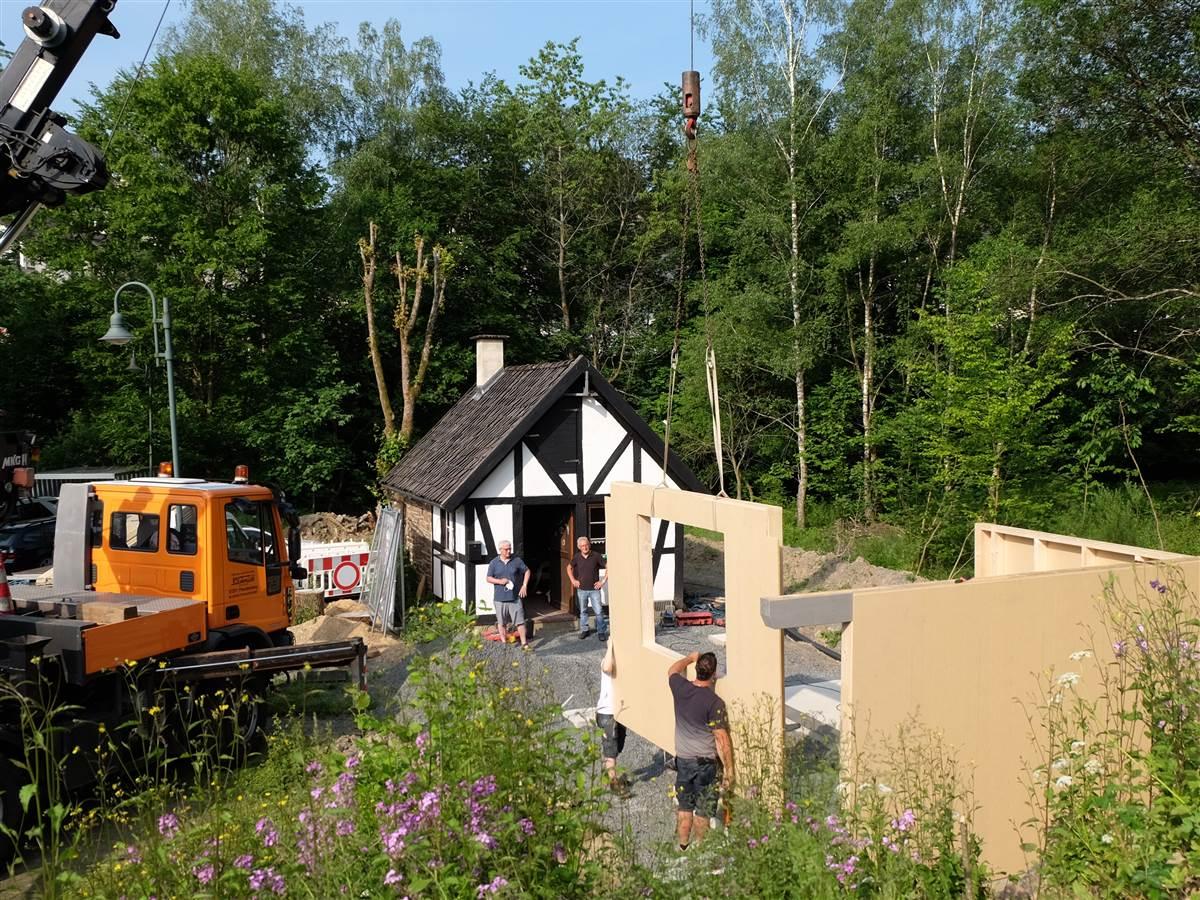 Erweiterungsbau am Backesplatz in Elkhausen steht