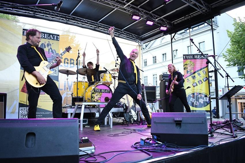 THE BEAT!radicals präsentieren ihr erstes Live-Album