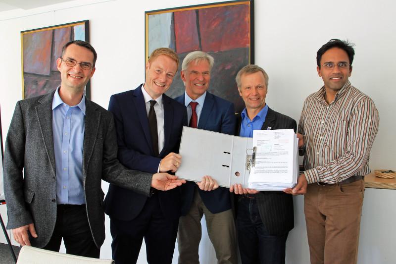 Bauantrag für Neubau Gesamtschule Sankt Josef überreicht