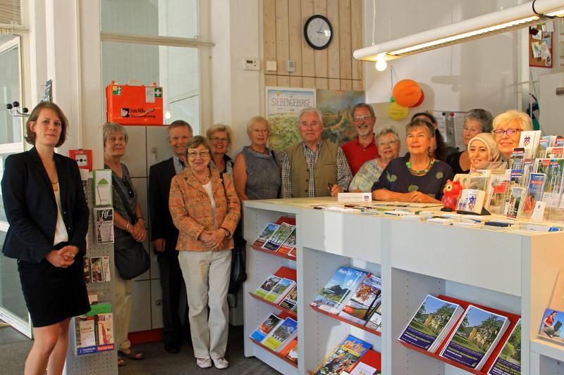 Neu ausgestattet: Stadtinformation und Stadtbücherei im Rathaus