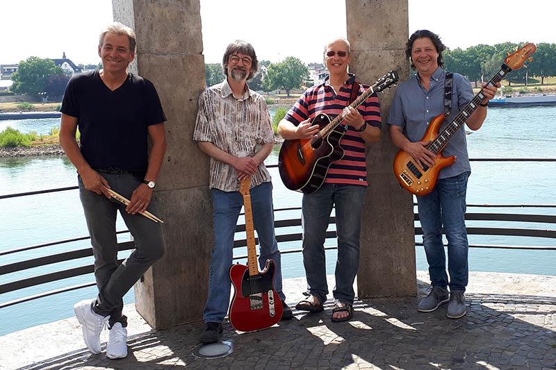 Die Band am Pegelturm. Fotos: privat
