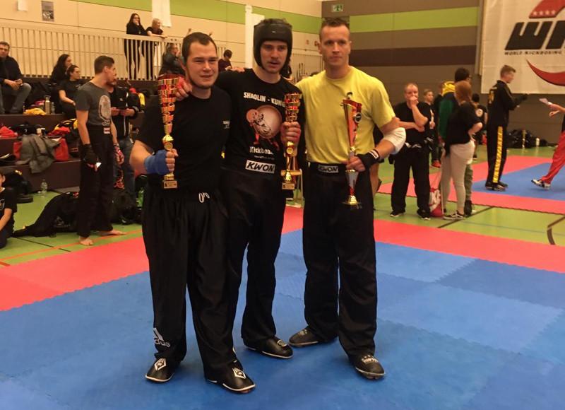 Simonis wird Vize bei Deutschen Kickboxen-Meisterschaften
