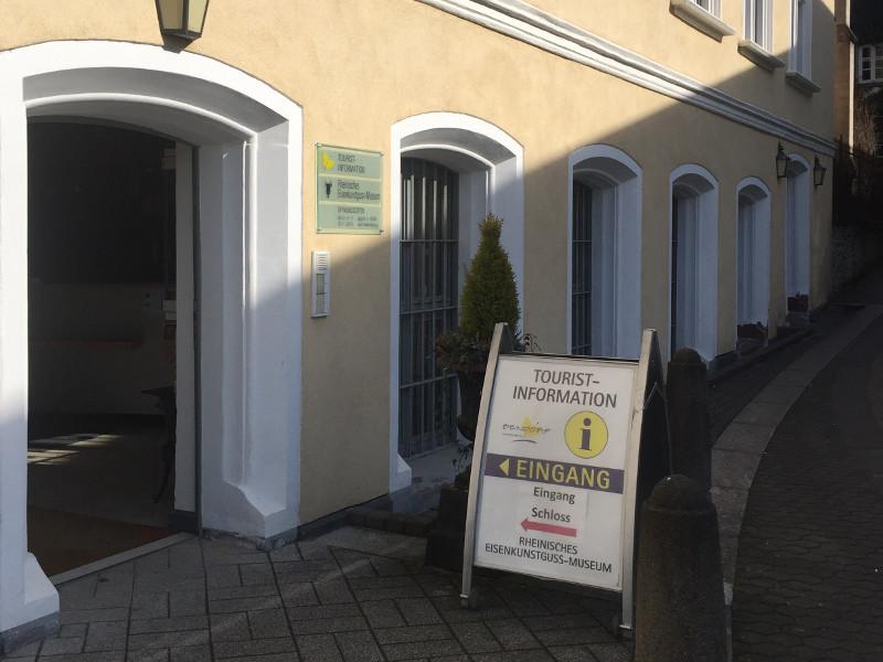 """Die Tourist-Information Bendorf erhielt das Zertifikat """"Teilweise barrierefrei für Menschen mit Gehbehinderung"""". Foto: Privat"""