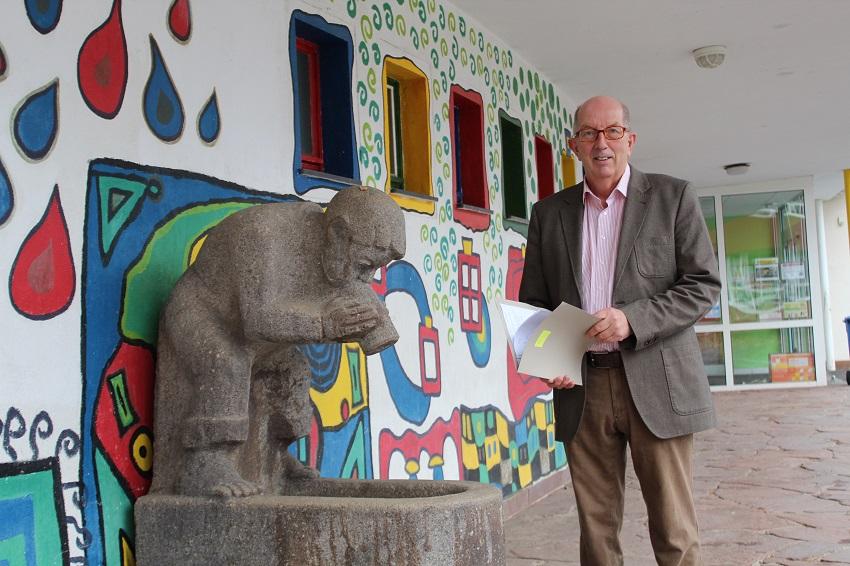 Michael Wäschenbach an der Bertha-von-Suttner Realschule plus in Betzdorf (Foto: Bürgerbüro)