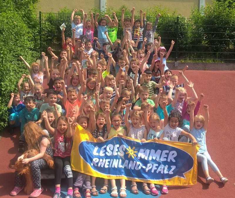 Die Kinder der Martin-Luther-Grundschule in Betzdorf freuen sich schon auf den Lesesommer. Foto: Privat